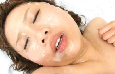 Japanese av model. Pleasant AV Model is getting ejaculate on her