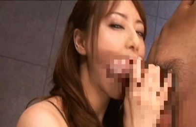 Akiho Yoshizawa sucking two horny men in this threesome video