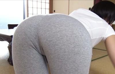 Asahi mizuno. Asahi Mizuno curvy babe enjoys foreplay